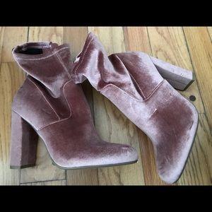 Never Worn Steve Madden 7.5 velvet pink sock boots